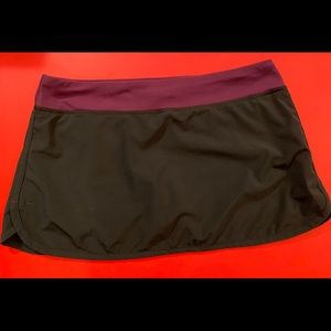 LULULEMON black and purple skort/skirt